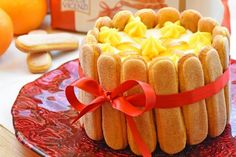 La charlotte all'arancia è un dolce profumato, dal sapore delicato e coinvolgente ma soprattutto bellissimo da presentare. Ecco la ricetta