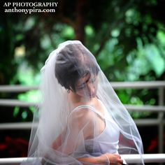 Unique Bridal Posing - Photography by anthonypira.com