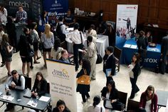 photo of students at U of T job fair