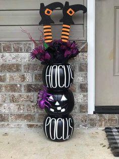 Quick Halloween Crafts, Homemade Halloween Decorations, Halloween Trees, Halloween Birthday, Outdoor Halloween, Holidays Halloween, Halloween Outfits, Fall Crafts, Halloween Stuff
