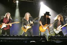 Lynyrd Skynyrd- Saw what's left of these guys...