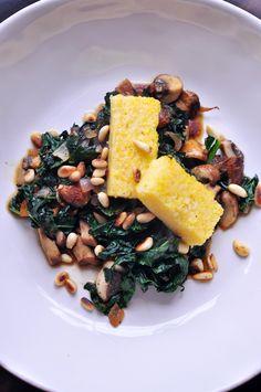 Skinny Jeans Food: Vegan Polenta with Kale (minus mushrooms) Vegan Vegetarian, Vegetarian Recipes, Healthy Recipes, Vegan Foods, Detox Recipes, Whole Food Recipes, Cooking Recipes, Clean Eating, Healthy Eating