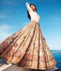 HD Photos: Mahira Khan hot Beach Photo Shoot for 'Divani Pakistan' Lehenga Designs, Ethnic Outfits, Indian Outfits, Indian Clothes, Casual Outfits, India Fashion, Asian Fashion, Pakistan Fashion, Modern Fashion