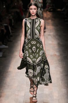 Valentino printemps-été 2015  #mode #fashion #paris