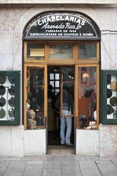 Chapelaria Azevedo Rua, Rossio ( Portuguese finest, Hats