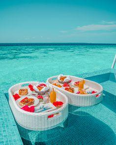 Maldives Voyage, Maldives Travel, Maldives Hotels, Vacation Destinations, Dream Vacations, Vacation Spots, Places To Travel, Places To Go, Vacation Images