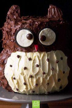 Owl cake - Kuchen & Torten Rezepte - Sweet chocolate cake in the shape of an owl. School Cupcakes, Cupcakes For Boys, Unique Recipes, Vegan Recipes Easy, Chocolate Cake, Chocolate Recipes, Cheesecake, Make Birthday Cake, Vegan Crackers