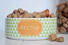 personalised triangle style dog bowl