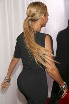 Beyonce Knowles Carter's flowing ponytail