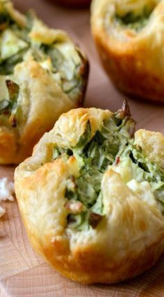 Cheese Puffs These puff pastry appetizers are filled with all the good stuff, including spinach, bacon bits and feta.These puff pastry appetizers are filled with all the good stuff, including spinach, bacon bits and feta. Spinach Puffs Recipe, Spinach Cheese Puffs, Puff Recipe, Spinach Puff Pastry, Spinach Dip, Quark Cheese, Recipe Tasty, Easy Cheese, Creamed Spinach