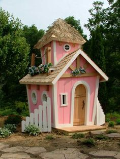 How perfect would this be for Rapunzel's Tower HQ?!!!!