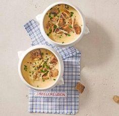 Unser gelingsicheres Thermomix ® Rezept für Zwiebelsuppe mit Croûtons! Weitere kostenlose, genussvolle Rezepte auf essen-und-trinken.de