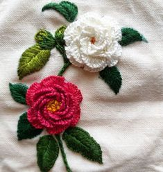silk ribbon embroidery for beginners Brazilian Embroidery Stitches, Hand Embroidery Videos, Embroidery Flowers Pattern, Simple Embroidery, Silk Ribbon Embroidery, Crewel Embroidery, Hand Embroidery Designs, Embroidery Patterns, Embroidery Supplies
