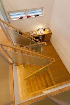 立川デシオ展示場2Fスキップ階段