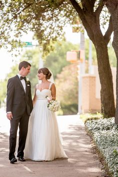 Just married! www.ryangreenphotography.com Austin Wedding Photographers - photos by Ryan & Lindsey Green