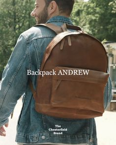 This leather backpack Andrew has two foam padded shoulder straps that ensure it is comfortable to wear. The spacious main compartment has enough room to take all your daily belongings. Chesterfield, High Level, Shoulder Straps, Leather Backpack, Backpacks, Room, How To Wear, Style, Bedroom