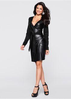Nepřehlédnutelné! Zavinuté šaty s hlubokým výstřihem do V a zavazovacím páskem v pase. Materiál ve vzhledu kůže. Délka ve vel. 36/38 cca 94 cm. Vrchový materiál: 70% viskóza, 25% polyester, 5% elastan; Povlak: 100% polyuretan