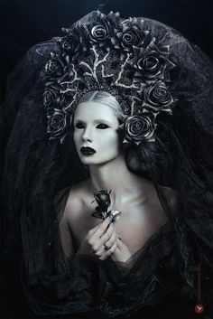 Art photography, beauty portraits, photography for magazines, retouching, o Dark Gothic, Gothic Art, Fantasy Photography, Portrait Photography, Color Photography, Beauty Photography, Digital Photography, Dark Queen, Halloween Zombie