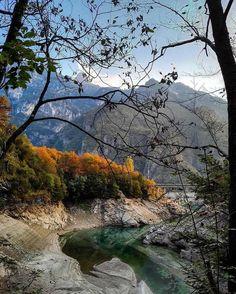 Il Parco Nazionale delle Dolomiti Bellunesi - Veneto Splendido, che ne dite? Aggiungetelo alla vostra lista delle mete da non perdere in Autunno. The Belluno Dolomites National Park in Veneto. Simply wonderful, isn't it? Put it on your bucket-list, it's really worth a visit. #FoliageInItaly #Italia #Italy #IlikeItaly #autumn #autunno #foliage #leaves #visitveneto