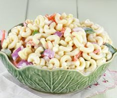 Gyors kefires tésztasaláta receptje | Mindmegette.hu Amish Macaroni Salad, Classic Macaroni Salad, Salad Bar, Soup And Salad, Salad Sauce, Creamy Pasta Salads, Pasta Dishes, Salad Recipes, The Best