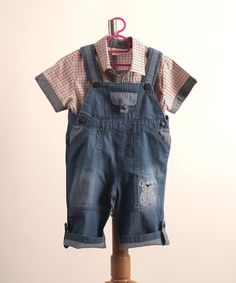 HB043 Hackett Jumper – KaynZac Jumper with snap buttons.  Thin denim to keep your little one cool in the hot weather.  Cute bear appliqué on 1 side. 100% cotton.    $15.90