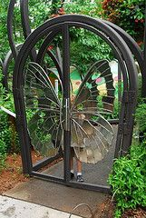 Butterfly Gate, too beautiful for words. Would love this for our main entrance patio. Metal Gates, Iron Gates, Metal Fence, Iron Doors, Plafond Design, Door Gate, Gate 2, Main Gate, Main Door