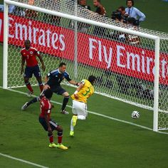 Thiago Silva opens the scoring for Brazil against Colombia - Thiago Silva of Brazil scores his team's first goal past David Ospina of Colombia during the 2014 FIFA World Cup Brazil Quarter Final match between Brazil and Colombia at Castelao on July 4, 2014 in Fortaleza, Brazil.