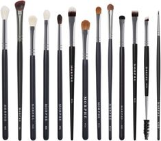 Shop Morphe X James Charles - The Eye Brush Set by Morphe at MECCA. A curated set of 13 full-size eye brushes featuring all of James's favourites for creating endless looks. Eyeshadow Brush Set, Contour Brush, Eye Makeup Brush Set, Best Makeup Brushes, Best Makeup Products, Beauty Brushes, Morphe Brushes Set, Make Makeup, Makeup Order