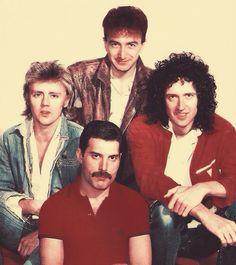 Roger Taylor, John Deacon, Brian May, Freddie Mercury