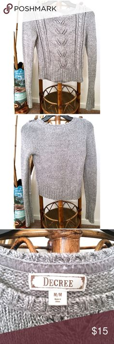 🎀5/$25🎀DECREE | Fitted & Cropped Gray Sweater Decree Fitted Grey Sweater in size medium fits like a small (and listing as a small)!!! Slightly cropped and semi fitted. Super pretty heather gray tight fit with button on top collar. I love this one and hope you will too :) !!! My prices change often for sales & specials, so buy your favorite items when prices are low! Thank you for shopping my closet. Mahalo!🤙🏼♥️ Decree Sweaters