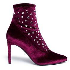 Giuseppe Zanotti Design 'Bimba' embellished velvet ankle boots (€890) ❤ liked on Polyvore featuring shoes, boots, ankle booties, purple, embellished ankle boots, purple ankle boots, giuseppe zanotti, purple velvet boots and ankle bootie boots