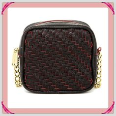 """Steve Madden Black Woven Crossbody. New never been used woven Crossbody purse with single shoulder strap with chain detail. 23"""" Length. Top zipper closure. Exterior woven detail. Interior has 1 zipper closure & 1 slit pocket. 6 1/4""""H x 7""""L x 3""""W. Steve Madden Bags Crossbody Bags"""