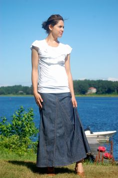 basic long jean skirt & ruffle top-- love!! Totally want this outfit!