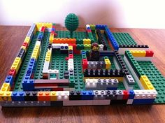LEGO Quest Kids : Maze or Labyrinth Photos - http://legoquestkids.blogspot.ca/2011/03/maze-or-labyrinth-photos.html#