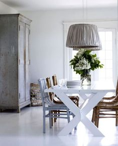 What are the chances I can MAKE a dining room dining table? For cheap and or free. husband out of town for the week. Dining Room Inspiration, Interior Inspiration, Scandinavian Home, Painted Furniture, Dining Table, Nook Table, Trestle Table, Table Lamps, Dining Area