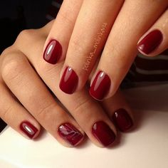 Calm claret red nails are a perfect variant for your nails in autumn. This beautiful color will definitely match any