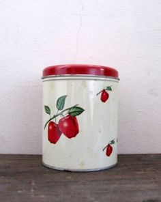 Apple Canister Country Kitchen Red Retro Kitchen Decoware by Sfuso #GotVintage  #Vintage  #Kitchen