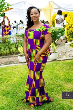 Hello everyone here are some lovely trending ankara skirt and blouse for the lovely ladies. These ankara skirt and blouse come in different styles and designs just to give you that unique look you deserve. African Wedding Attire, African Attire, African Wear, African Women, African Dress, African Beauty, African Style, African Weddings, Kente Dress