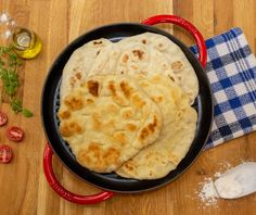 Σπιτικές πίτες για σουβλάκι Greek Pita Bread, Bread Cake, Greek Recipes, Cornbread, Cravings, Food And Drink, Cooking Recipes, Vegetarian, Ethnic Recipes