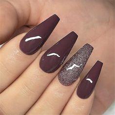 Elegant purple glitter coffin nails for summer gel nail desi Elegant Nails, Classy Nails, Trendy Nails, Cute Nails, Diy Nails, Nail Art Designs, Acrylic Nail Designs, Summer Gel Nails, Winter Nails