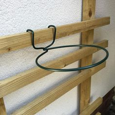 TRELLIS HOOKS for Pots. Plant Pot Holders / Hangers to Hang Plant Pots on Trellises or Battens. Plant pots can get brittle with age, our plant pot holders fit snugly under the rim to support the pot and spread the weight evenly all around under the rim. House Plants Decor, Plant Decor, Indoor Garden, Indoor Plants, Herb Garden, Potager Palettes, Pot Hanger, Pallet House, Diy Plant Stand