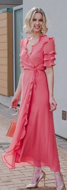 Cute Spring Outfits To Copy Now lady in pink costume. Pic by lady in pink costume. Cozy Winter Outfits, Spring Outfits Women, Pink Outfits, Pretty Outfits, Frilly Dresses, Pink Dress, Dress Skirt, Dress Up, Pink Costume