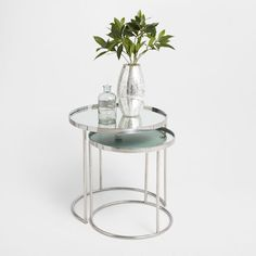 Image of the product Round silver nest of tables (set of 2)