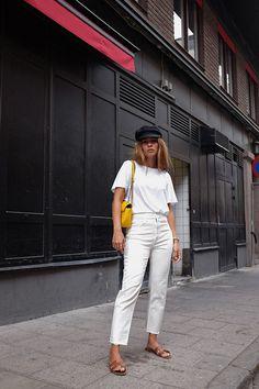 Der Baker-Boy-Hut oder die Schiffermütze waren ja bereits im letzten Herbst eine große kleine Nummer in den Streetstyle-Looks. Ich hatte mich auch daran versucht, jedoch sah das von mir bestellte Modell einer Schiffermütze völlig Banane an mir aus. Ich versuchte nun erneut mein Glück, diesmal bei meinem Lieblings-Label Isabel Marant Étoile und siehe da, das …