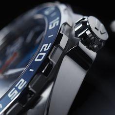 La colección Fórmula 1, de TAG Heuer, se enriquece con un deportivo que destaca por su potente bisel giratorio, el acabado sunburst de la esfera y la pulsera NATO. #TAGHeuer #DontCrackUnderPressure #TAGHeuerFormula1