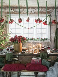 Anna Truelsen: Stämningsfullt i ladan Classy Christmas, Christmas Kitchen, All Things Christmas, Christmas Home, Christmas Holidays, Christmas Decorations, Christmas Displays, Father Christmas, Holiday Decorating