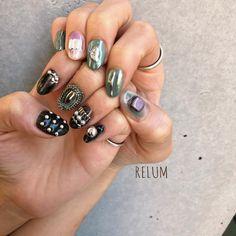 ご来店ありがとうございます😊🎈 @relum_misato #nail#nails#nailart#gelnails#naildesign#fashion#relum#ネイル#ネイルアート#ニュアンスネイル#リルム#恵比寿#恵比寿ネイルサロン#恵比寿ネイル 東京都渋谷区恵比寿4-11-8グランヌーノ502 お問い合わせご予約 ℡03-6450-4230 LINE🆔→relum0401re *完全予約制 Diy Nails, Manicure, Japan Nail, Japanese Nail Art, War Paint, Short Nails, Nail Inspo, Nails Inspiration, Color Mixing