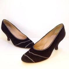 Maud Frizon Paris black suede heel with contrast white stitching. Size 39.5. Please call (949)715-0004 for inquiries.