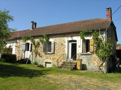Nice small farmhouse, 0.35 acres of land with 2 barns (near Thiviers), Dordogne, Aquitaine