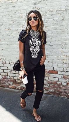 Tshirt and statement necklace